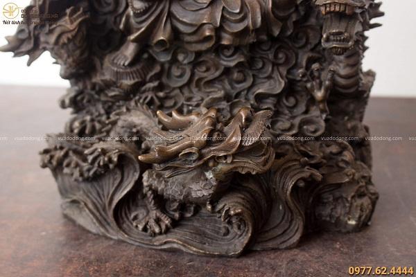 Tượng Phật Quan Âm cưỡi rồng bằng đồng hun đen giả cổ