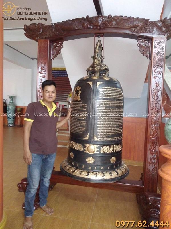 .............................................................Đúc Chuông đồng 800kg tại chùa Từ Tâm - Phú Yên, giá treo gỗ lim