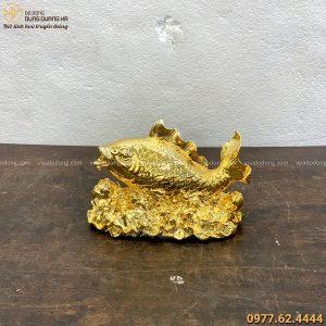 Tượng cá chép hoa sen độc đáo bằng đồng vàng mạ vàng 13x18cm