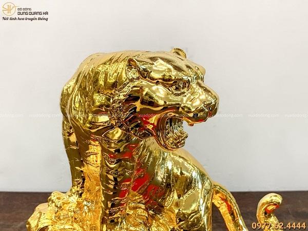 Tượng con Hổ đứng trên đá bằng đồng vàng mạ vàng 22x20cm