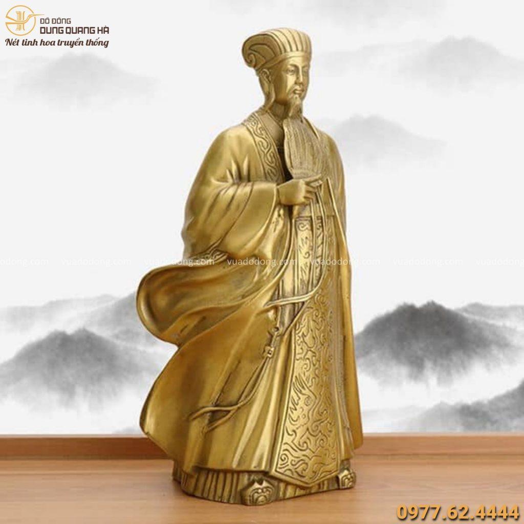 Tượng Gia Cát Lượng đứng bằng đồng vàng