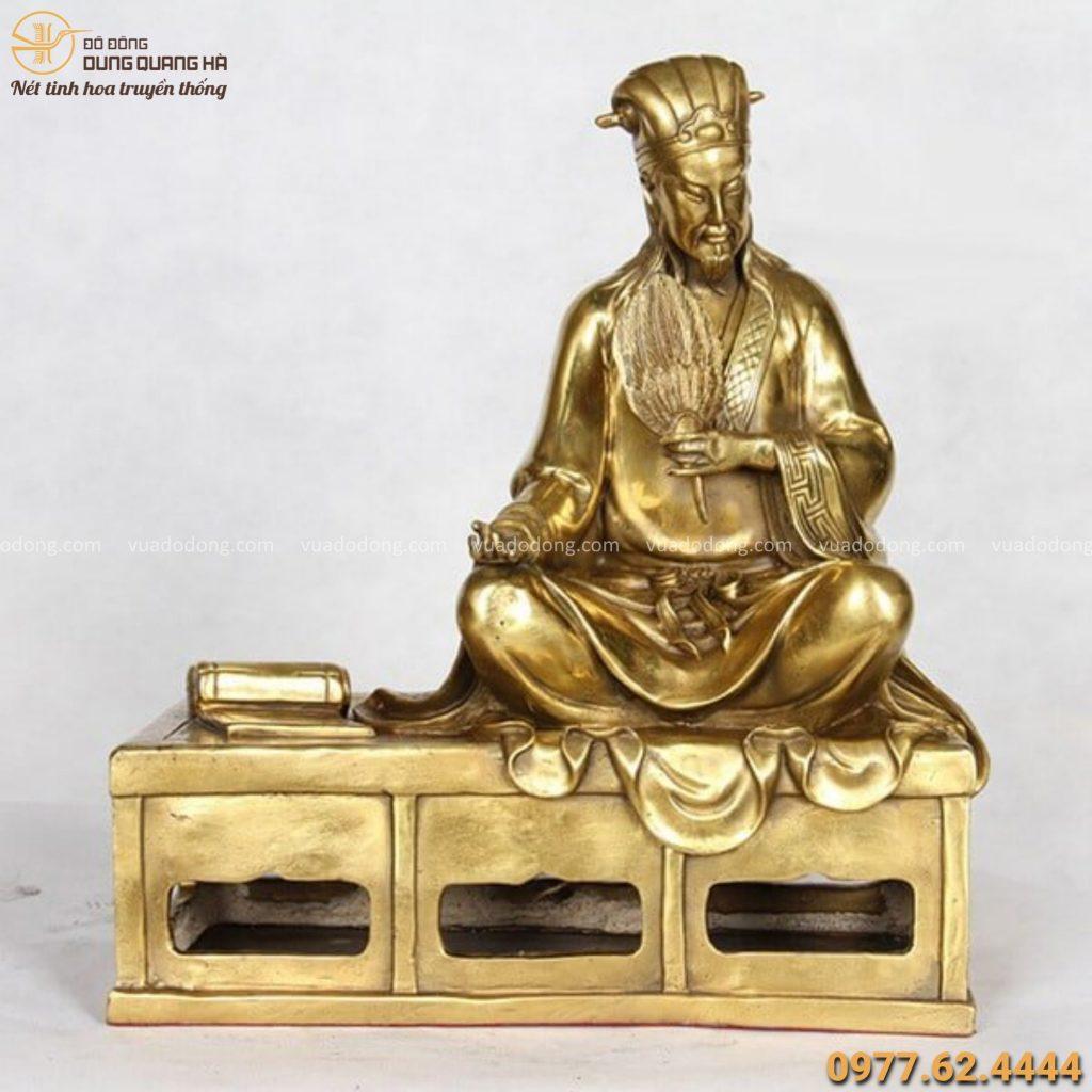Tượng Gia Cát Lượng ngồi bằng đồng vàng mộc