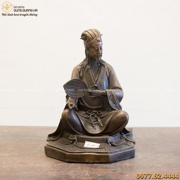 Tượng Gia Cát Lượng bằng đồng vàng ngồi bệ bát quái 31x21cm