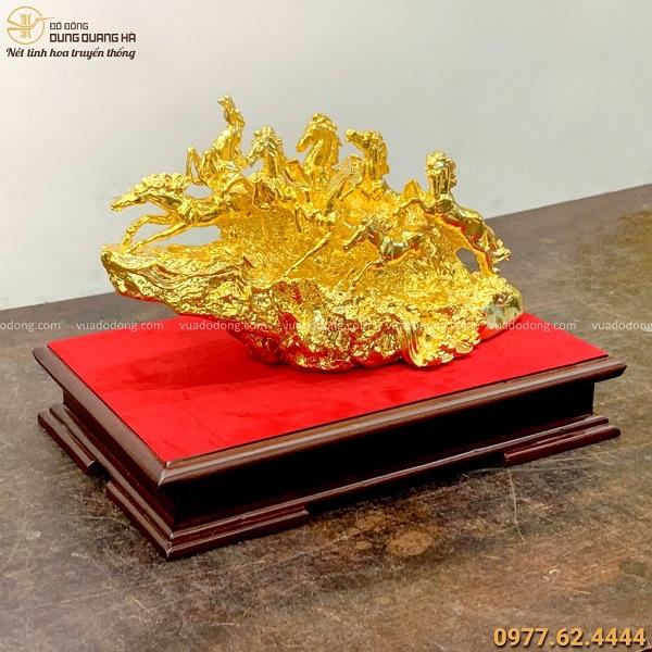 Tượng ngựa phong thủy mã đáo thành công bằng đồng mạ vàng 24k