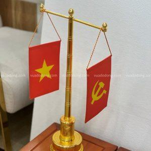 Cột cờ bằng đồng đế bản đồ Việt Nam mạ vàng cao 57cm mẫu 2