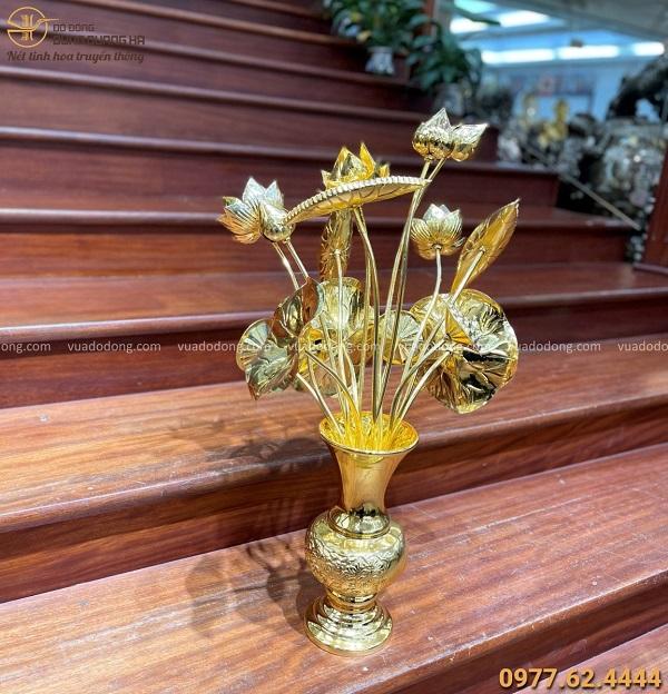 Lọ hoa sen bằng đồng để bàn thờ mạ vàng 24k đẹp tinh xảo