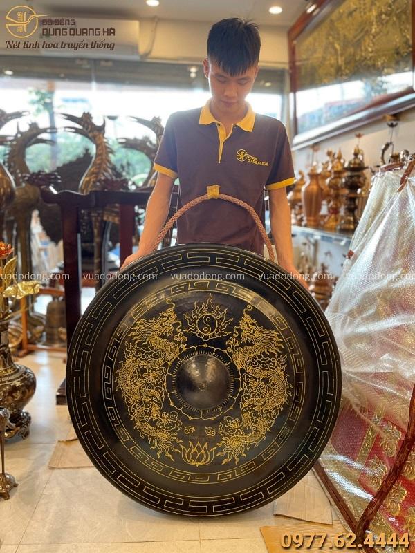 Chiêng đồng đẹp chạm rồng cổ kính đường kính 1m nặng 52,4 kg