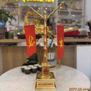 Cột cờ mạ vàng 24k để bàn làm việc đẹp tinh xảo cao 55cm