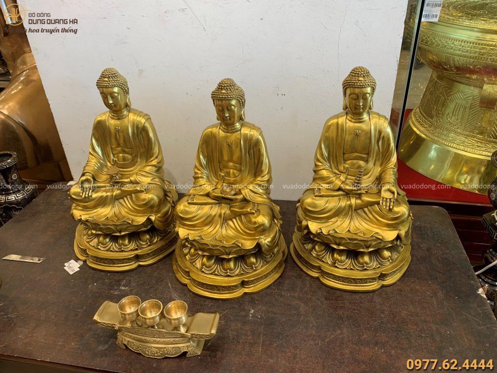 Bộ tượng Tam Thế Phật bằng đồng vàng mộc tinh xảo