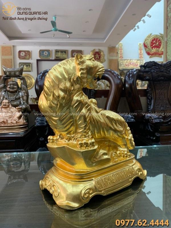 Tượng Hổ ngồi bệ đá bằng đồng đỏ cao 40 cm thếp vàng 9999