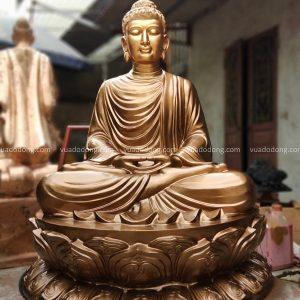Tượng Phật Thích Ca ngồi trên đài sen bằng đồng đỏ cao 1m08