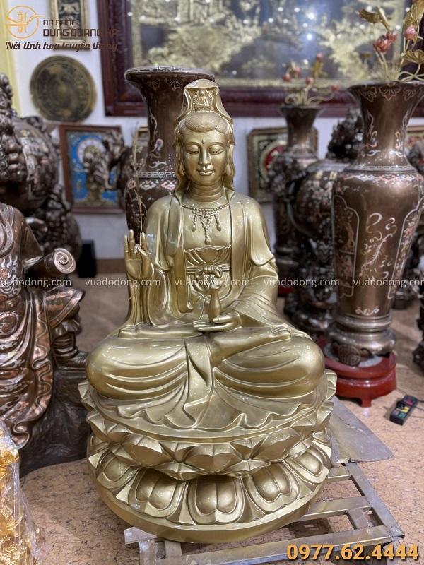 Tượng Quan Thế Âm Bồ Tát ngồi trên đài sen cao 1m2 bằng đồng đỏ