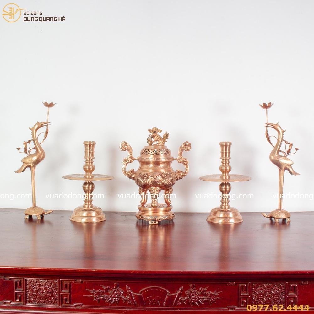 cách bày bộ đỉnh đồng trên bàn thờ