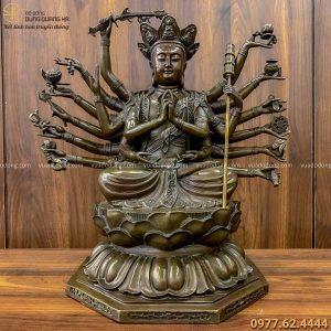 Tượng Phật Chuẩn Đề tinh xảo bằng đồng vàng hun nâu 40x40cm