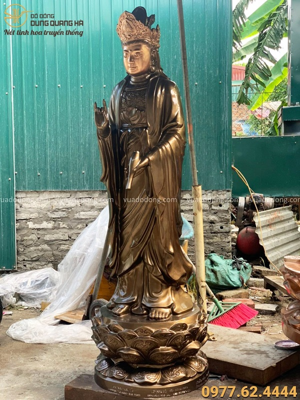 Tượng Phật Quan Âm bằng đồng đỏ cao 1m5 trên núi Bà Đen - Tây Ninh