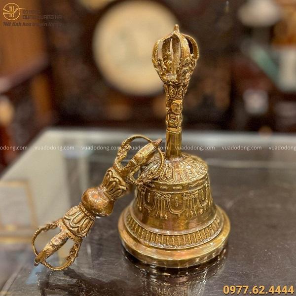 Chuông chày kim cang bằng đồng vàng : chuông 18cm, chày 10cm